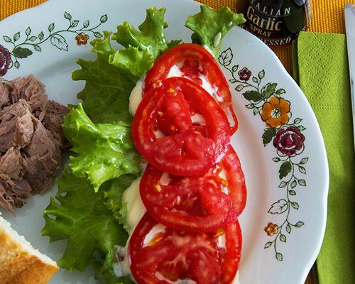 Tuna Sandwiches with Garlic Mayonnaise