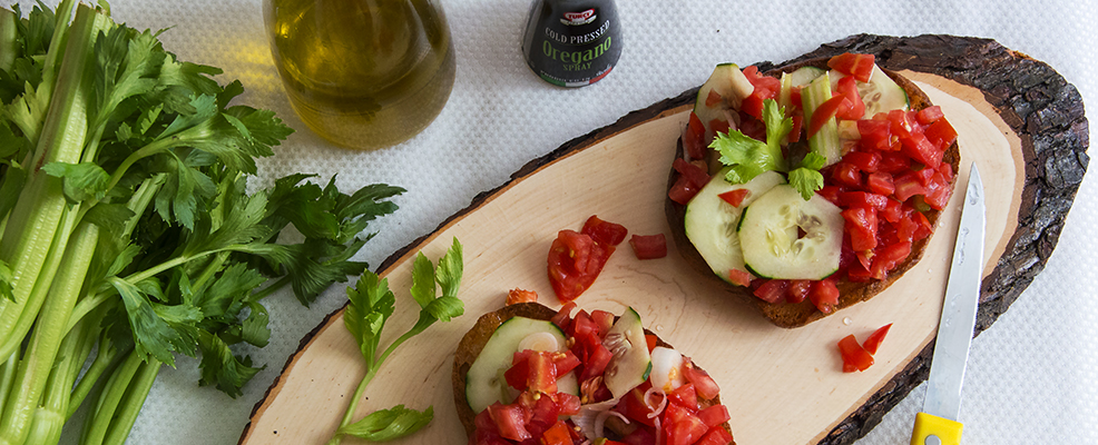ricetta-crostoni-recipe-bruschetta-tomato-cucumber-garlic-oregano